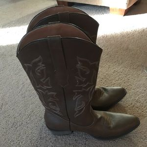 Medium Brown Cowgirl Boots